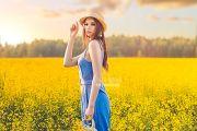 Летняя фотосессия в поле с цветами в Кирове